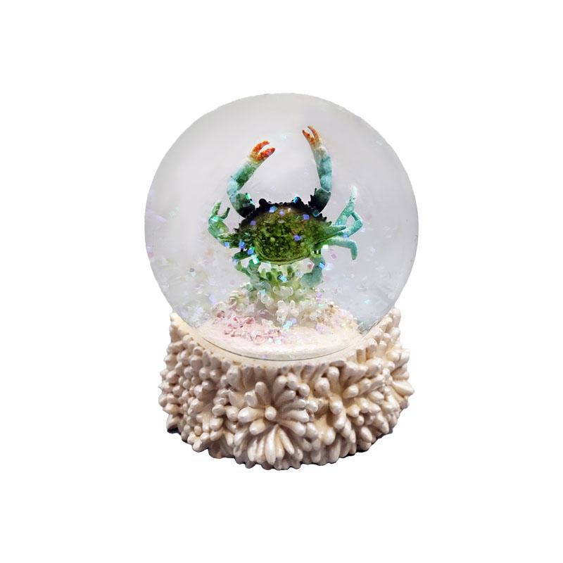 New Design Resin Crab Figurine Inside Sea Animal Snow Globe Custom Water Globe Ball